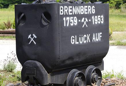 Förderwagen in Brennberg Hunt (Förderwagen) am Ortseingang von Brennberg