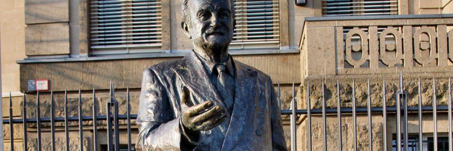Johannes Rau-Statue