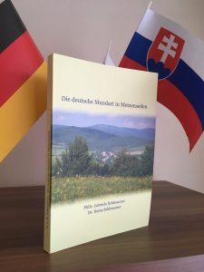 """Cover des Dialektwoerterbuchs """"Die deutsche Mundart in Metzenseifen"""" von von PhDr. Gabriela Schleusener und Dr. Heinz Schleusener"""
