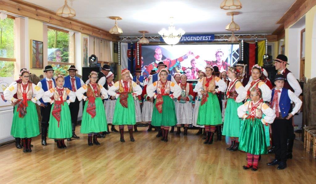 Jugendfest polnische Tanzgruppe