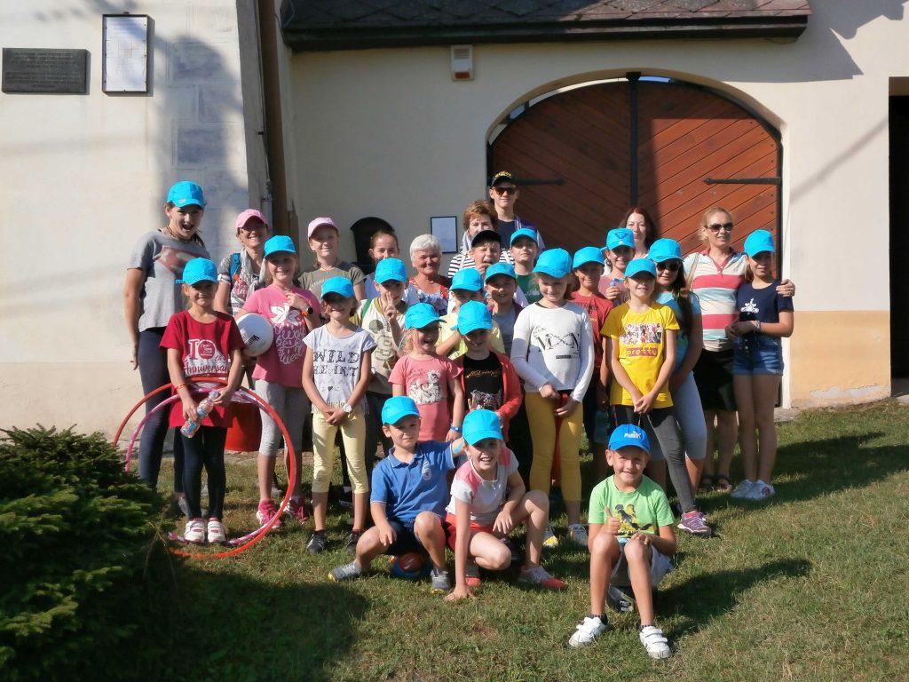 Kinder Ferienlager Nitrianske Pravno Deutsch Proben