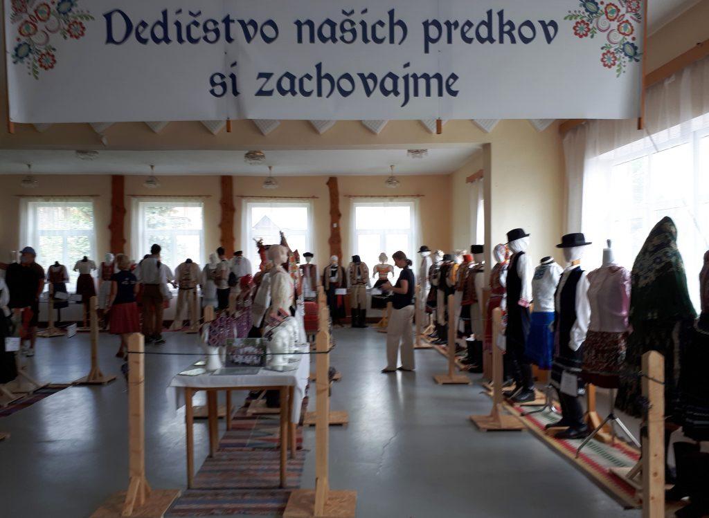 Kordiky Ausstellung Trachten