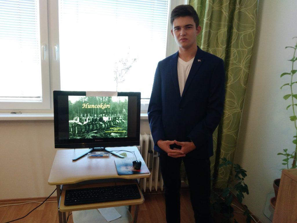 An der Geschichtsolympiade dieses Jahr nahm Andrés mit einem Beitrag über die deutschen Holzhacker teil.