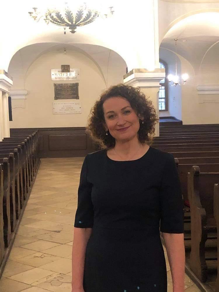 Anna Polcková in der Kirche