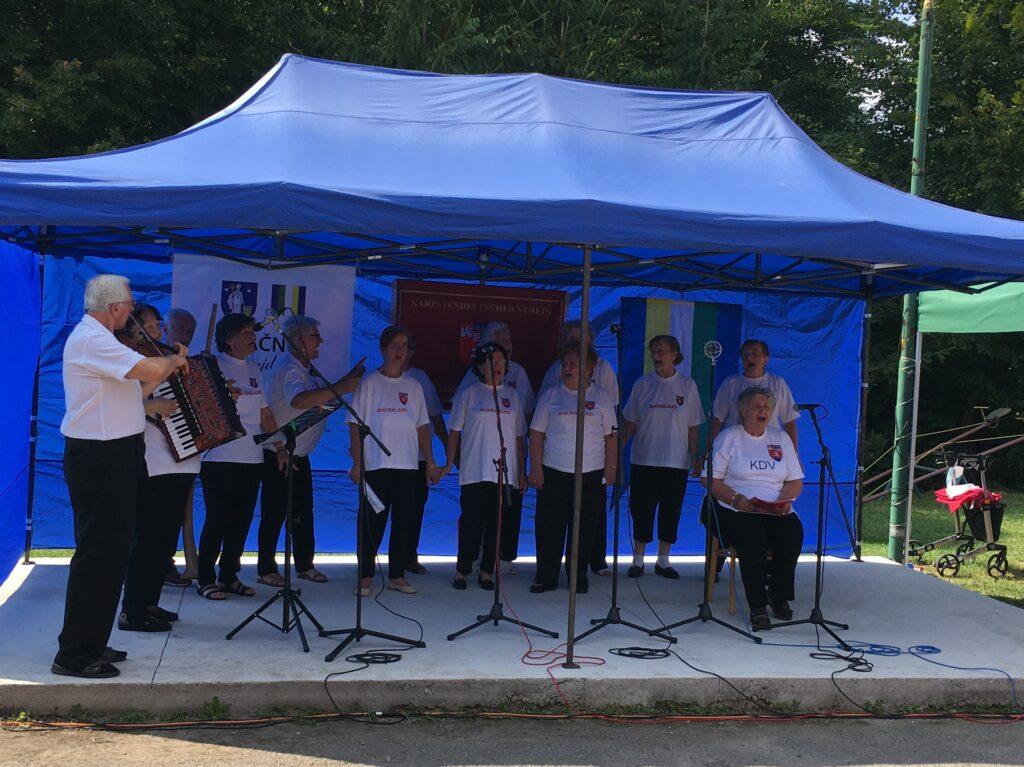 Singgruppe aus Krickerhau