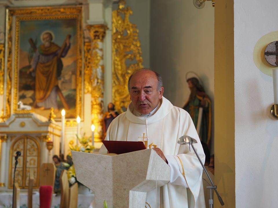 Die Messe zelebrierte Professor Anton Tyrol.