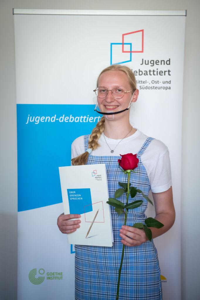 "Alexandra hat ""Jugend debattiert"" in der Slowakei gewonnen."