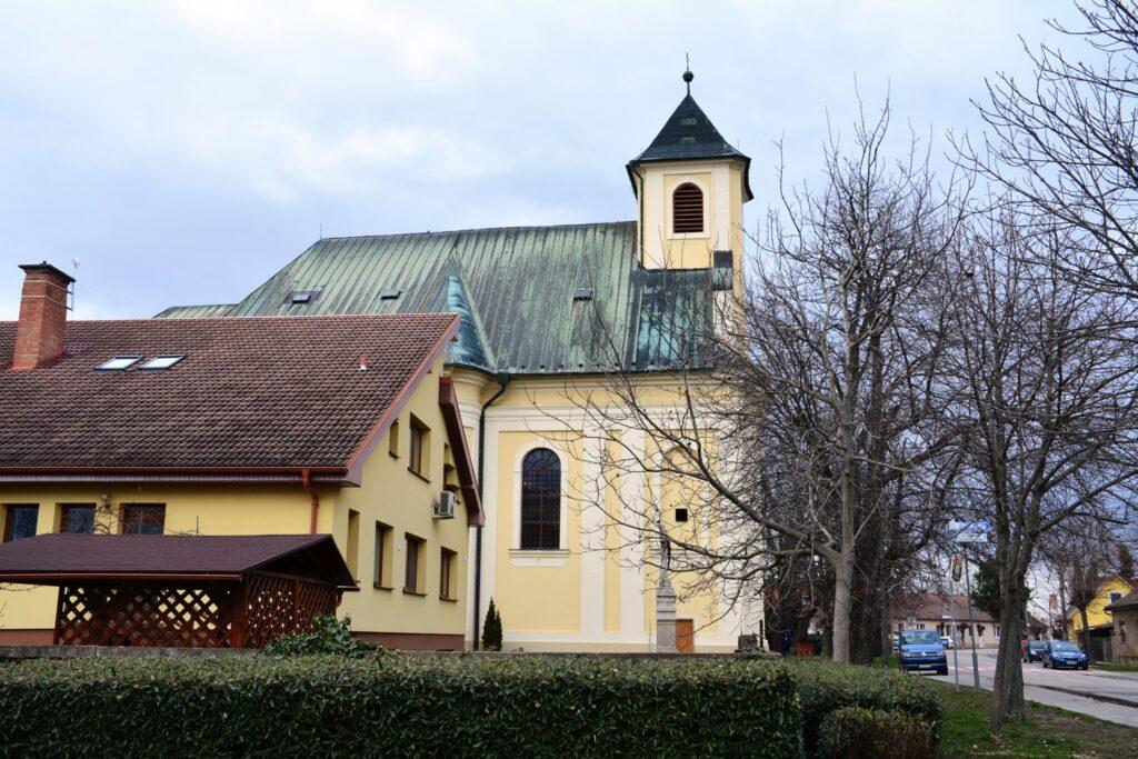 dunajska luzna kostol